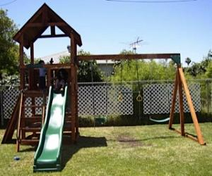 <b>R-65</b>: Redwood Play Set AU