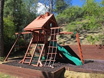 <b>R-19</b>: Redwood Play Set E