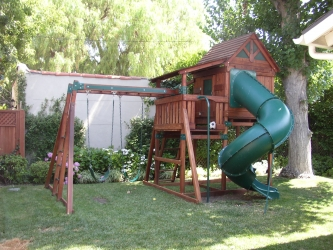 <b>R-10</b>: Redwood Play Set