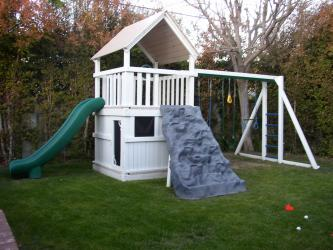 <b>P-43</b>: Fort Full Bottom Enclosure Super Slide 3 Position Monkey Bar System Discovery Mountain Swing System