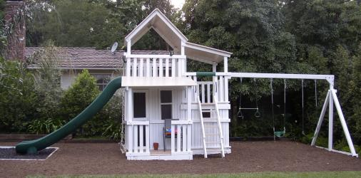 <b>P-52:</b> 2 Level Fort Superslide Double Bottom Full Enclosure Porch 3 Position Swing System