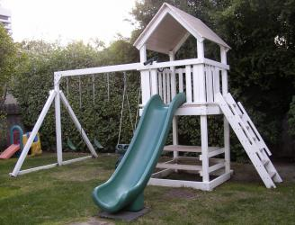 <b>P-13:</b> Fort Super Slide Picnic Table 3 Position Swing System