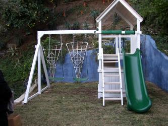 <b>P-24:</b> Fort Super Slide 3/4 Bottom Enclosure 2 Position Swing System
