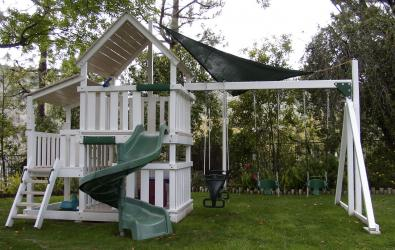 <b>P-44</b>: Fort Sun Deck Open Spiral Slide 3/4 Bottom Enclosure 3 Position Swing System