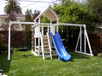 <b>P-120</b>: Polyvinyl Play Set BK