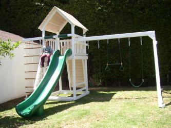 <b>P-104</b>: Polyvinyl Play Set AV