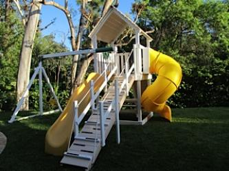 <b>P-69</b>: Polyvinyl Play Set N