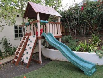 <b>P-59</b>: Polyvinyl Play Set E