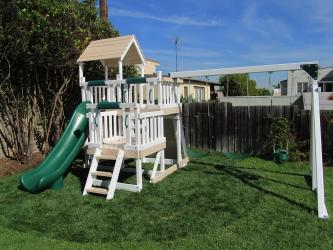 <b>P-83</b>: Polyvinyl Play Set AB
