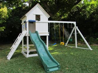 <b>P-84</b>: Polyvinyl Play Set AC